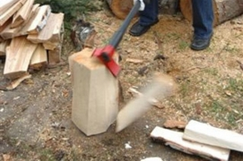 Su VIPUKIRVES™ Leveraxe galima kapoti net ant akmenų ar betono